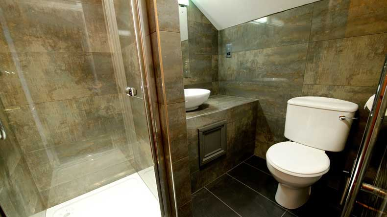 Golden Lodge Exclusive Lodge Ensuite Bathroom