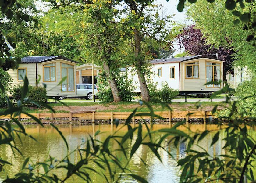 Lakeside Accomodation